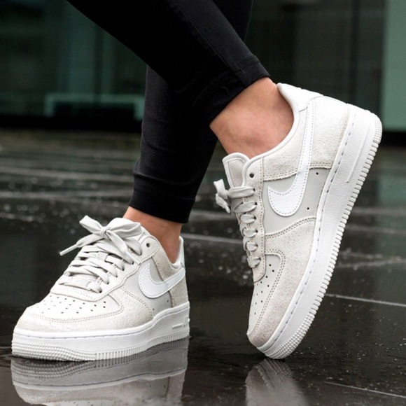 reputable site b06eb 3a85d Nike air force 1 07 premium sneakers